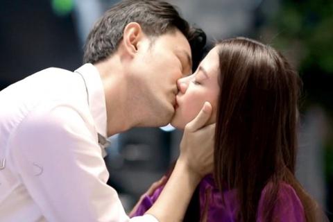 Thái Lan cấm quay phim có cảnh hôn