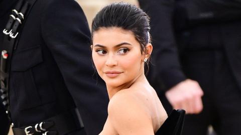 Kylie Jenner đáp trả khi bị gọi là 'tỷ phú giả mạo'