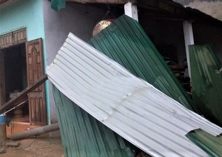 Dông lốc ở Hòa Bình khiến 1 người chết, 2 người bị thương