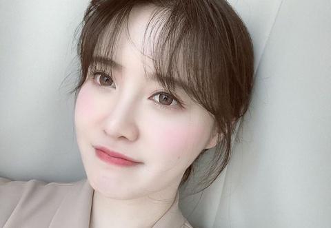 Goo Hye Sun giảm 11 kg, được khen trẻ sau khi ly hôn