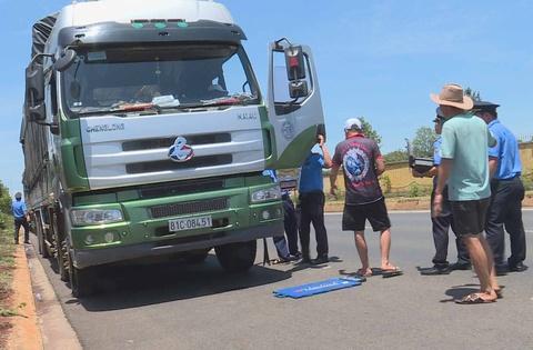 Thanh tra giao thông bị đe dọa khi xử lý xe vi phạm