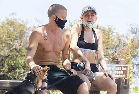 Ảnh hẹn hò đời thường của Miley Cyrus và Cody Simpson