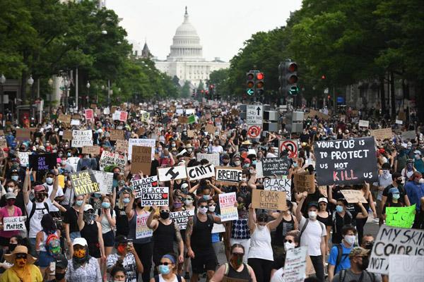 Người biểu tình ở thủ đô của Mỹ: Chúng tôi không thể chịu được nữa