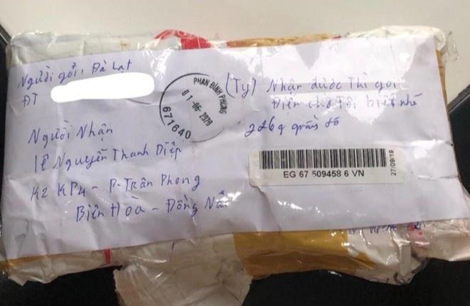Bị mất ví khi đi du lịch, 9X được người nhặt đóng gói gửi về tận nhà