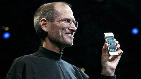 iPhone 4 từng bị chê cười khi chưa ra mắt