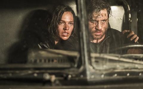 Phim về ngày cuối cùng của tội phạm Mỹ bị giới phê bình chấm 0 điểm