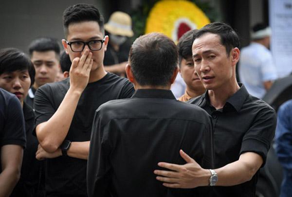 Gia đình và đồng nghiệp tiễn đưa MC Diệu Linh về nơi an nghỉ