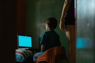 Ở nhà nhiều, trẻ em Thái bị lạm dụng tình dục qua mạng
