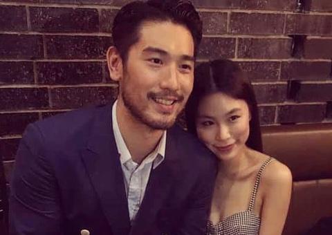 Bạn gái vẫn đeo nhẫn đính hôn của cố tài tử Cao Dĩ Tường