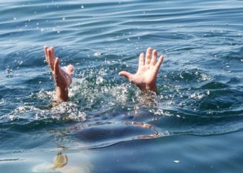 Học sinh lớp 4 tử vong khi tắm sông Hương