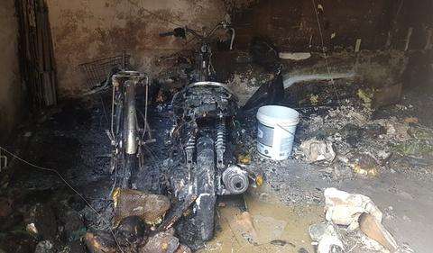 Vợ đốt nhà khiến chồng nguy kịch, con bị bỏng