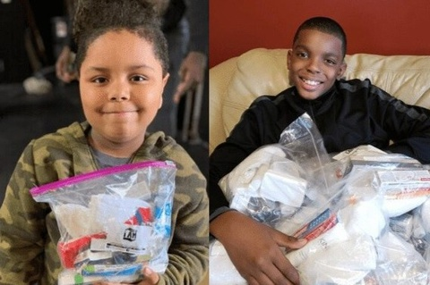 2 cậu bé giúp đỡ người già vượt qua đại dịch tại Mỹ
