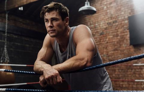 Chris Hemsworth tham gia huấn luyện khắc nghiệt cho vai Hulk Hogan