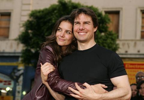Katie Holmes sống sao sau 8 năm ly hôn Tom Cruise?