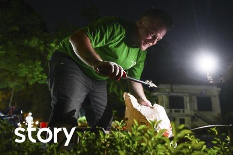 """""""Ông Tây"""" 4 năm tình nguyện dọn rác quanh Hà Nội"""