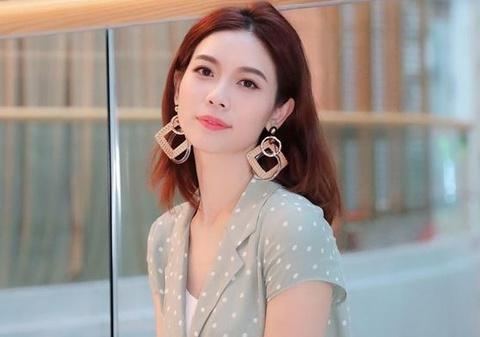 Sao nữ kiếm triệu USD sau khi bị TVB lạnh nhạt