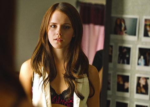Emma Watson bị nguyên mẫu nhân vật chỉ trích