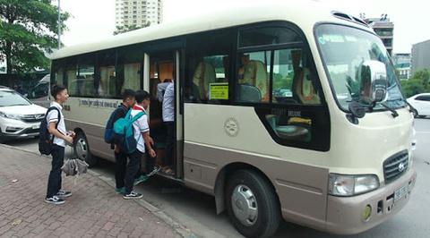 Yêu cầu kiểm soát xe đưa đón học sinh ở Hà Nội