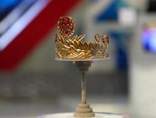 Vòng nguyệt quế mạ vàng 9999 của Olympia 2020