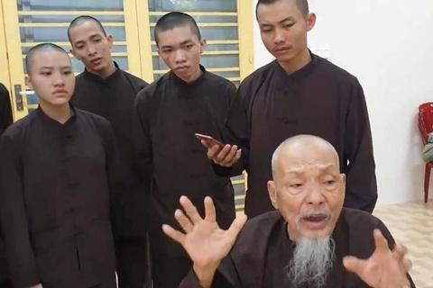 """""""Người ở Tịnh thất Bồng Lai lừa dối cả thiên hạ"""""""