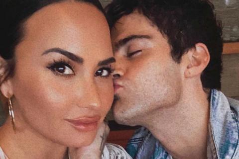 Bạn trai biết bị Demi Lovato hủy hôn khi đọc báo