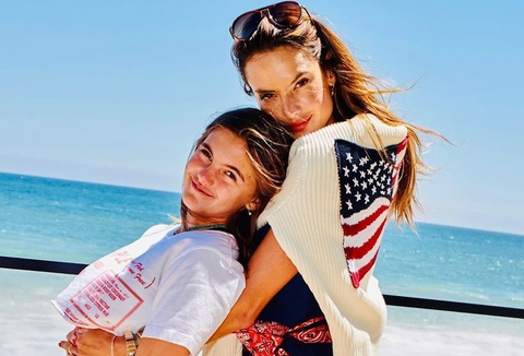Con gái 12 tuổi của siêu mẫu Alessandra Ambrosio