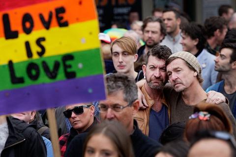Cuộc sống của cộng đồng LGBT tại vùng cấm người đồng tính