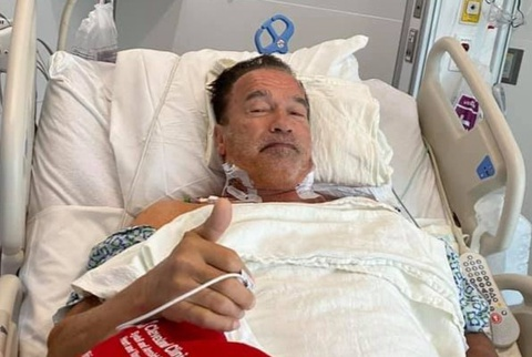 Arnold Schwarzenegger phẫu thuật tim