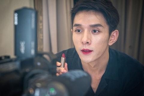 150 triệu dân Trung Quốc xem một người đàn ông livestream bán son môi