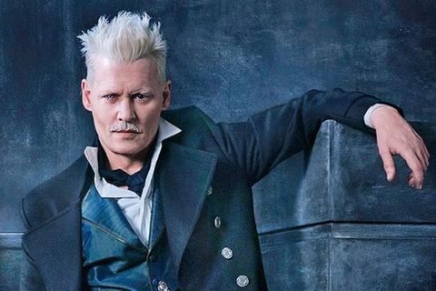 """Johnny Depp buộc phải rời loạt phim phù thủy """"Sinh vật huyền bí"""""""