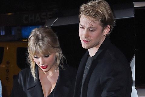 Taylor Swift chia sẻ lý do giữ kín mối quan hệ với bạn trai