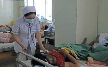Hơn 100 người nhập viện sau khi ăn xôi của đoàn từ thiện