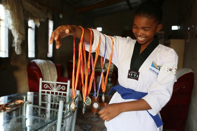 Cô gái dạy võ cho trẻ em để chống nạn tảo hôn