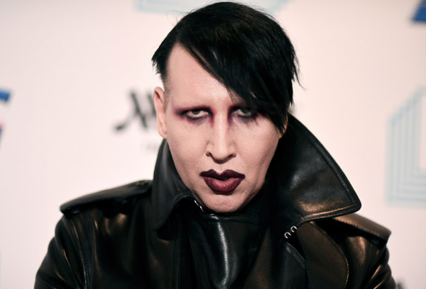 Người phụ nữ thứ 9 chỉ trích rocker Marilyn Manson