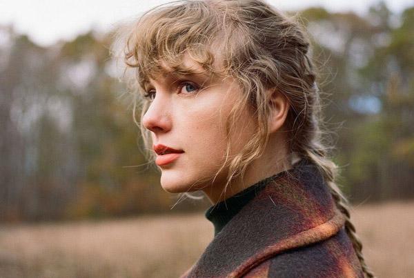 Taylor Swift bị công viên kiện vì ra album trùng tên