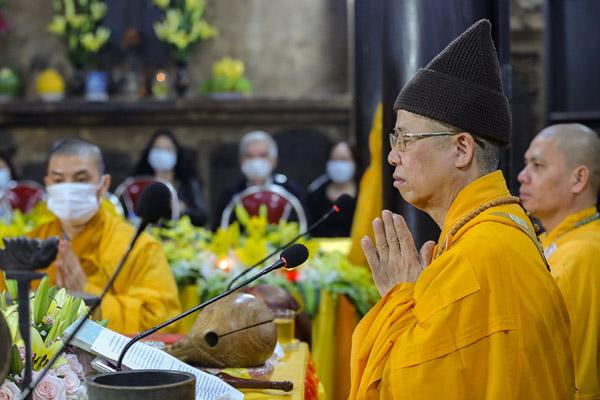 Cảnh tượng chưa từng có tại lễ cầu an chùa Phúc Khánh vì dịch Covid-19