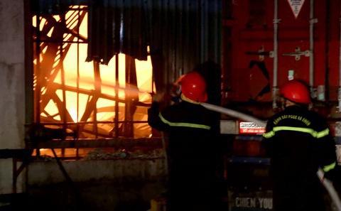 Cháy căn nhà 2 tầng ở TP Thủ Đức