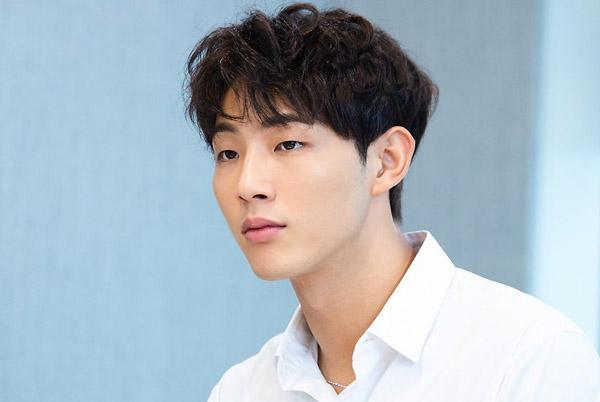 Tài tử Hàn thừa nhận hành vi quấy rối tình dục