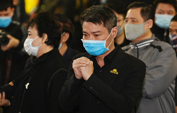 Công Lý, Chí Trung và các nghệ sĩ tới tiễn biệt NSND Trần Hạnh