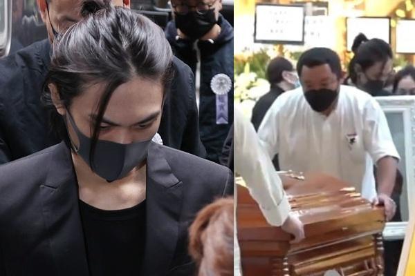 Con trai gục đầu bên di ảnh Ngô Mạnh Đạt trong lễ hỏa táng