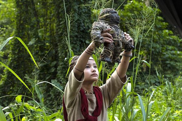 Cô bé 9 tuổi bị điếc bẩm sinh đóng 'Godzilla vs. Kong'