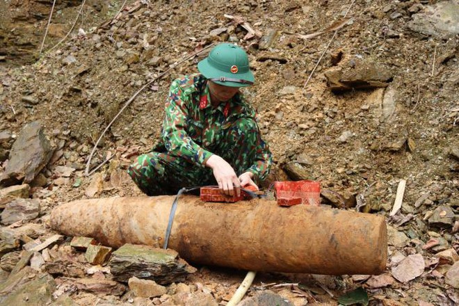 Phát hiện quả bom nặng 115 kg khi đào móng nhà