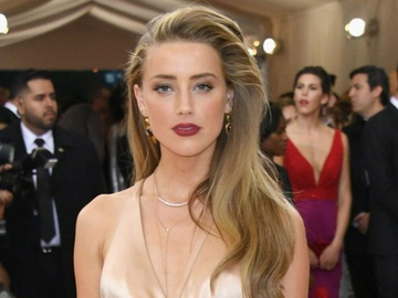 Amber Heard không bị loại khỏi 'Aquaman 2'