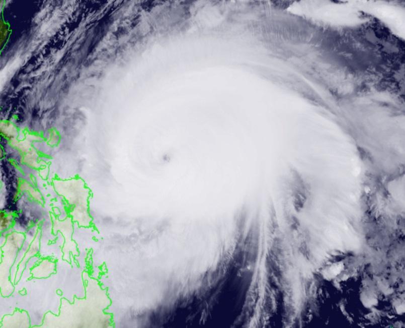Surigae báo hiệu một mùa bão rất dị thường