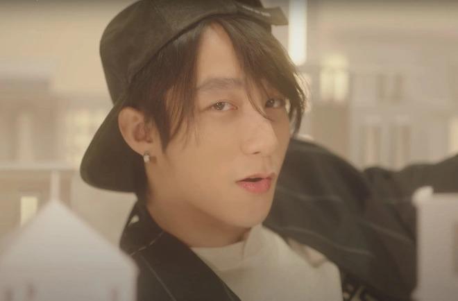 Sơn Tùng phát hành MV 'Muộn rồi mà sao còn'