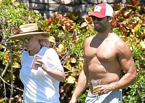 Britney Spears đi nghỉ dưỡng sau phiên tòa chấn động