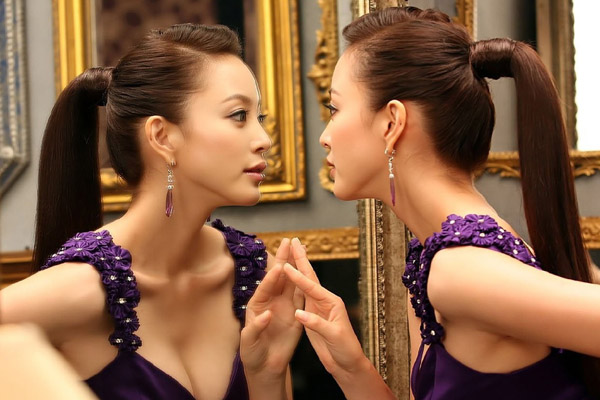 Cáo buộc Han Ye Seul bán dâm và góc tối trong giới giải trí