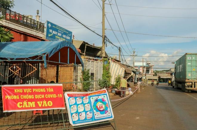 Bình Phước hỏa tốc giãn cách xã hội thêm 2 thị xã