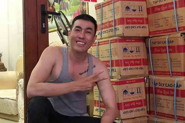 """""""Thánh chế"""" Hồ Minh Tài tiếp tục hỗ trợ người dân đang gặp khó khăn vùng dịch Covid-19"""