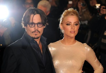 Cảnh sát thẩm vấn người ủng hộ Johnny Depp